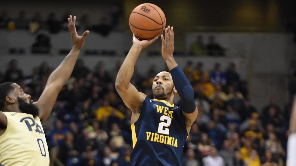 b04954c17 WVU s Jevon Carter wins first Naismith Defensive Player of the Year award