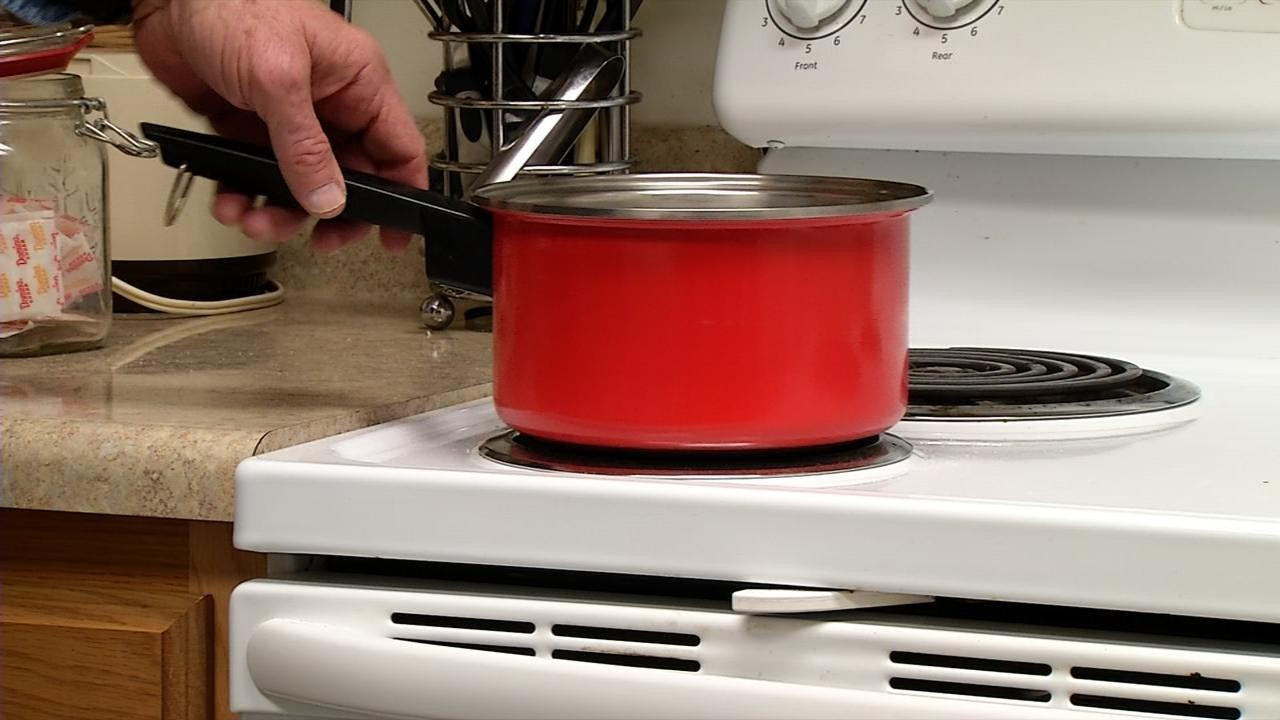 Kitchen safety tips for Thanksgiving cooking | WCHS