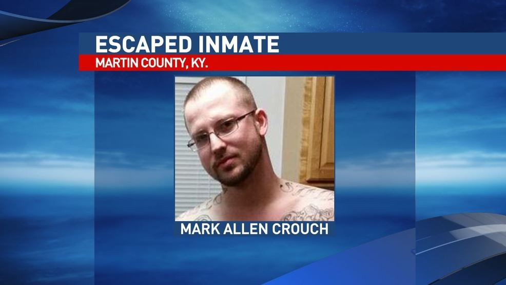 Deputies search for inmate who assaulted jailer, stole